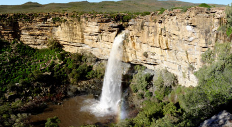 Doorn_River_Waterfall,_Northern_Cape
