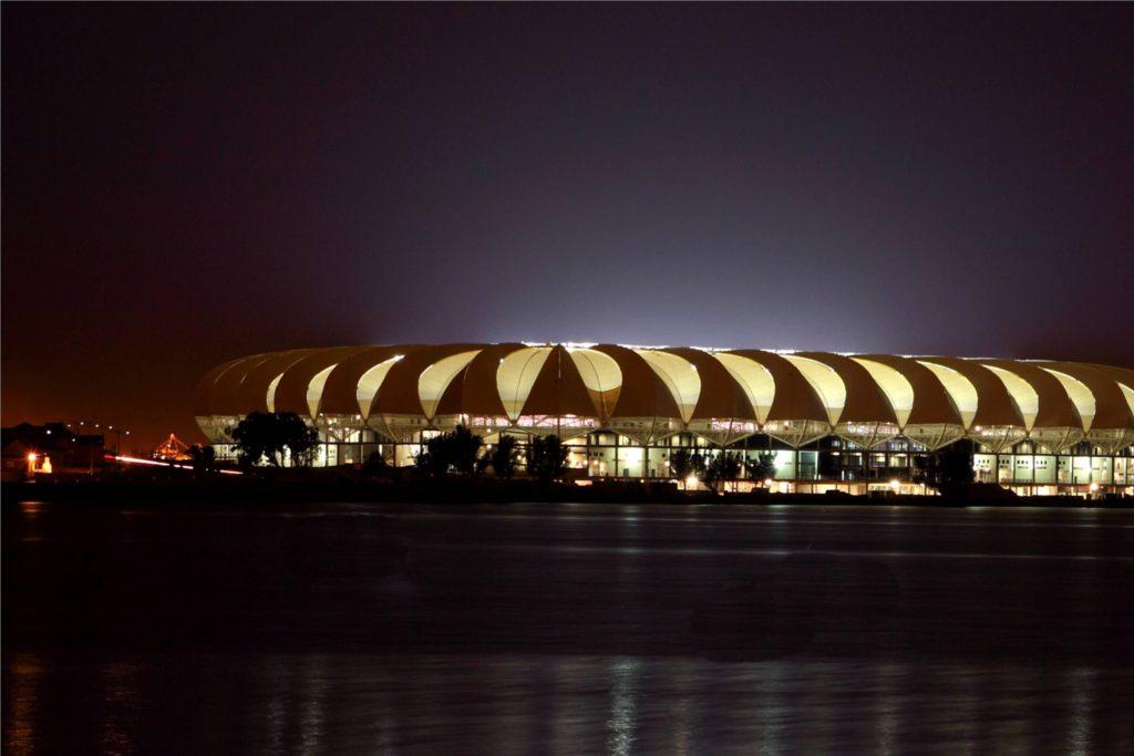 NMB_nelson_mandela_bay_stadium_at_night_3072_2048_80_s